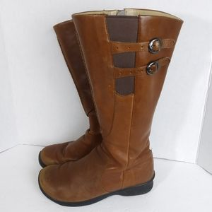 Keen Brown Leather Zip Up Boots. Size 8